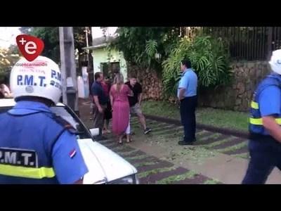CONDUCTOR DE CAMIONETA HUYÓ DEJANDO TIRADA A MOTOCICLISTA
