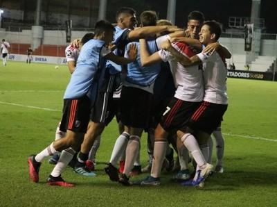 River Plate pasó a la semifinal