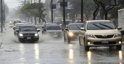 Jueves cálido con lluvias y tormentas