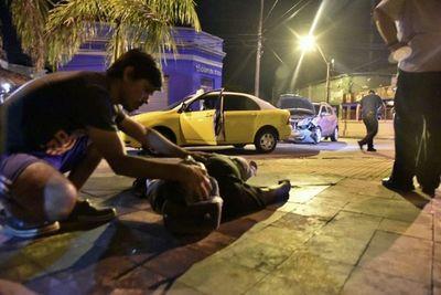 Choque sobre Colón deja a un taxista herido
