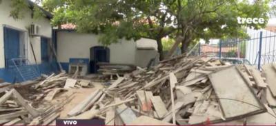 HOY / En medio de escombros y encimados, alumnos empezarán las clases