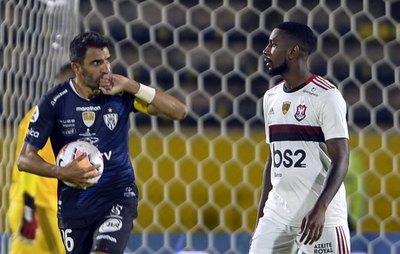 Independiente rescata un empate ante Flamengo por la Recopa