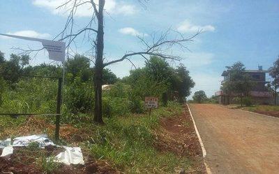 Destruyen cartel de obras en CDE