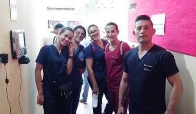 Idioma dificulta relacionamiento entre pacientes y residentes médicos extranjeros en hospital regional