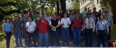 PRODUCCIÓN DE MIEL FUE EL TEMA DE REUNIÓN ENTRE FUNCIONARIOS DEL MAG, SENACSA Y LA GOBERNACIÓN DE ITAPÚA