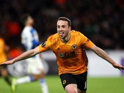 Wolverhampton pone un pie en octavos y Arsenal toma ventaja