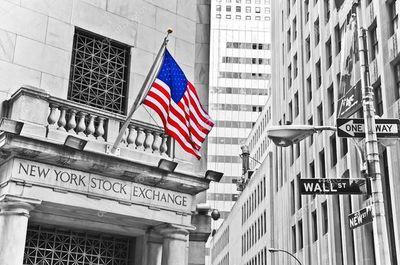 ¿La SEC puede exigir la restitución de beneficios obtenidos de manera ilícita?