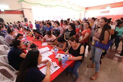 A una semana de la feria de empleos de la ANR, 25 mujeres ya trabajan
