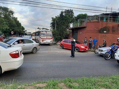 Robo de celular en bus finaliza en tragedia