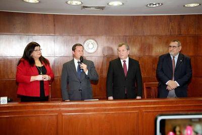 Nuevo presidente de la Corte dice que combatirá la proverbial mora judicial