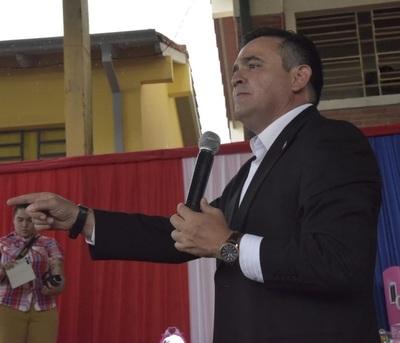 Ministro Eduardo Petta sostiene que la clase política dañó profundamente la Educación