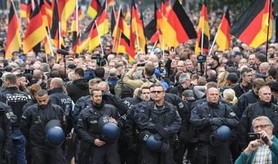 Alemania: aumentarán presencia policial en todo el país ante amenazas terroristas neonazis