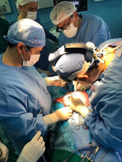 Se realizó con éxito primera cirugía intrauterina de niños con espina bífida en nuestro país