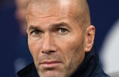 La patada que Zinedine Zidane recibió en pleno rostro y que se hizo viral