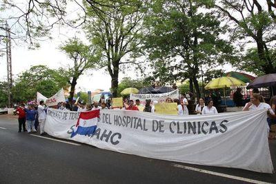 Acuerdo parcial entre Hacienda y Clínicas, pero huelga continúa