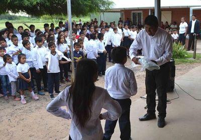 Kits escolares disponibles en Boquerón