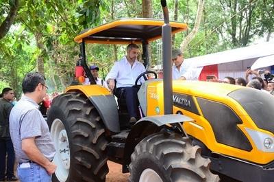 Miles de agricultores tendrán mayor productividad e ingresos con nuevas maquinarias