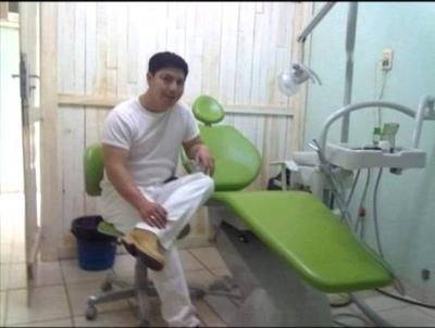 "HOY / Mecánico dental que decía  ser doctor, acusado de   ""toquetear"" a joven paciente"