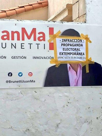 Brunetti sostiene que sus carteles no constituyen propaganda electoral