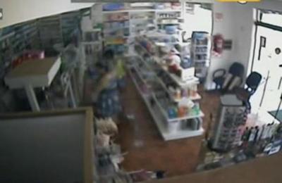 Bolsoneras roban en Farmacia de Ciudad del Este