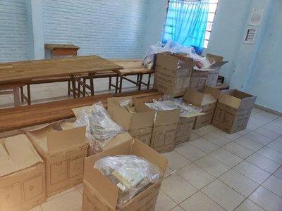 Unepy reporta problemas en la distribución de kits escolares