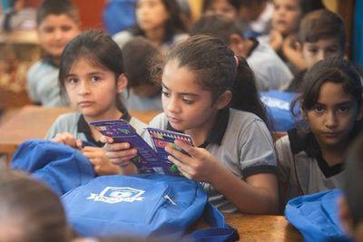 Empresa ome'ê kits escolar omoguahêvo mbo'ehao Nueva Esperanza