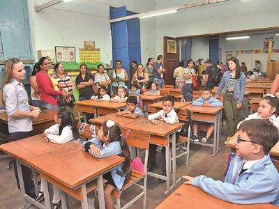 Tomas, riesgo de derrumbe y  aulas con precariedades en inicio escolar
