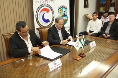 Gobernación de Central y Municipio de Ypacarai suscribieron convenio de cooperación