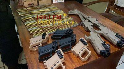 Cae traficante de armas con centenares de proyectiles y accesorios