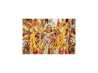 Brasil vibra al ritmo de la samba en el inicio del Carnaval