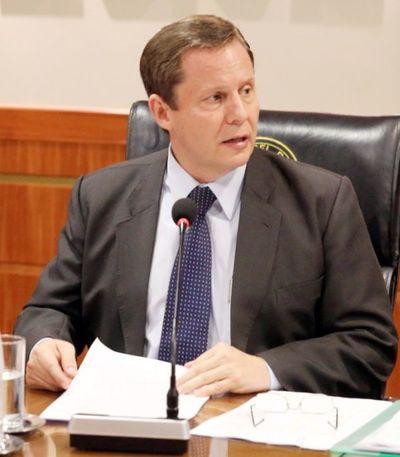Funcionario administrativo del RUA  fue nombrado camarista de la Niñez