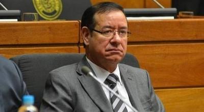 Cuevas dice que reglamento lo habilita a contratar funcionarios, pero no sabe cual es la normativa