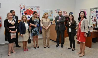 Autoridades visitan el Centro Ciudad Mujer para brindar apoyo y visibilizar su labor