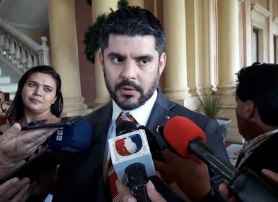 'El orden no es del agrado de muchos sectores poderosos, grupos que intentan debilitarme'- Oscar Rodríguez