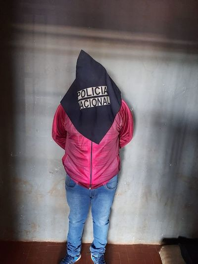 Pillado violando arresto domiciliario al protagonizar quíntuple choque