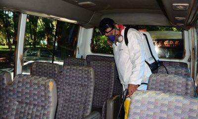 Fumigan transportes escolares en CDE