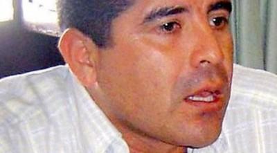 Ex Consul acosador, ahora responsabiliza a su víctima