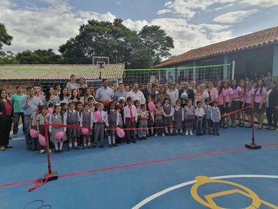 Colegio ganador de Ypané Recicla inauguró su nueva cancha deportiva
