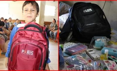 Shopping París entrega más de 7.500 kit´s escolares