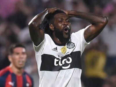 El debut de Adebayor en Olimpia