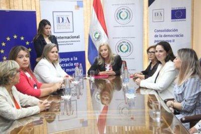 Senadoras realizan una conmemoración por el Día de la Mujer Paraguaya