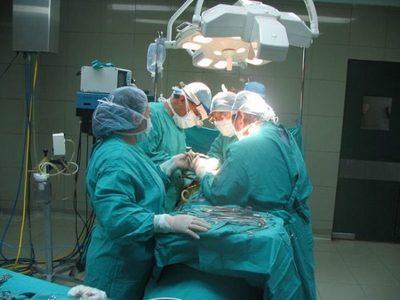 Extirpan tumor ovárico de más de seis kilos en Misiones