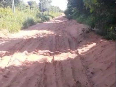 Colonia Pasiño: Pobladores exigen reparación de camino
