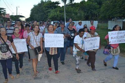 Pobladores de Fuerte Olimpo se manifiestan exigiendo mayor seguridad