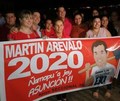 Arévalo ratifica precandidatura en celebración del día de la Mujer Paraguaya