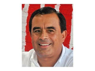 Cuestionado ex intendente es recibido por Marito y Cartes