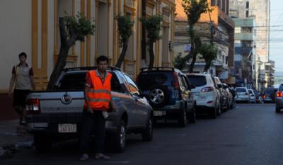 'A los cuidacoches ¿quiénes les da dinero?, los ciudadanos que después se quejan', sostiene director de la PMT