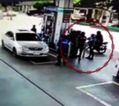 Motochorros asaltan gasolinera en Ciudad del Este