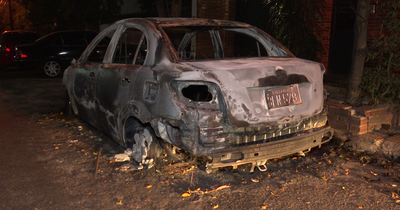 Arrojaron bomba molotov contra un vehículo en Asunción