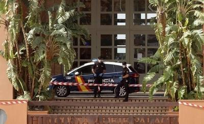 HOY / Mil clientes de hotel español están confinados por caso de italiano con coronavirus